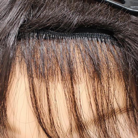 既製品の生え際はうぶ毛が不自然です。