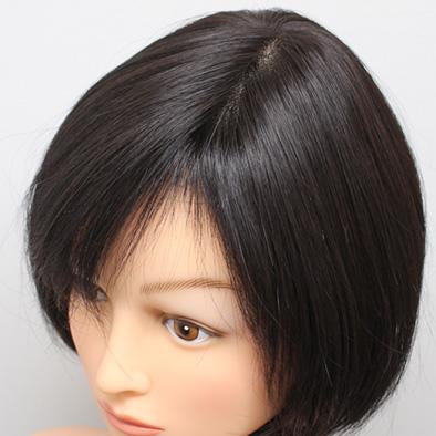 人工毛100%でも不自然なツヤが抑えられています。