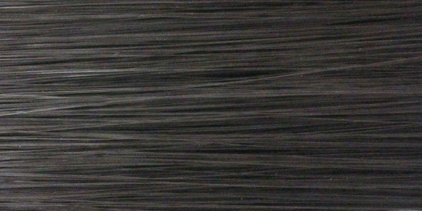 人工毛100%のカラー:ナチュラルブラックは真っ黒過ぎない自然な黒色です。